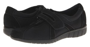 Munro American Black Sueded Loafers Size 7 (SS-AAAA) Flats