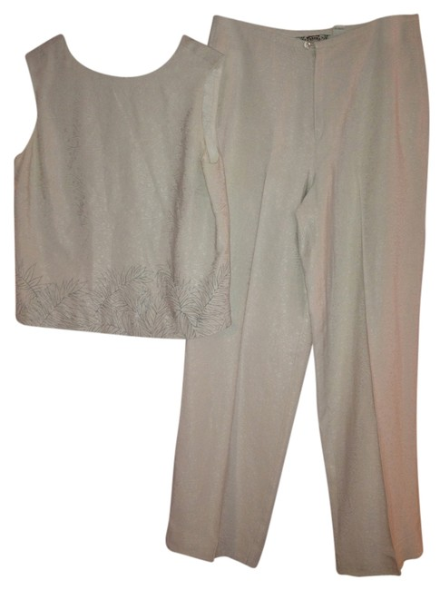 Tommy Bahama Tommy Bahama pants suit 100% Silk