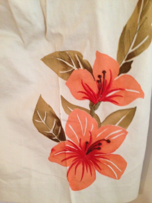 Tommy Bahama Capri/Cropped Pants Cream with Orange flower detail