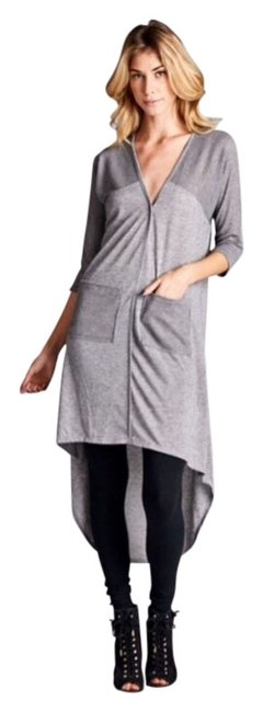 Preload https://img-static.tradesy.com/item/13296466/gray-deserving-woman-high-low-button-up-toptunicblouse-sml-tunic-size-6-s-0-1-650-650.jpg