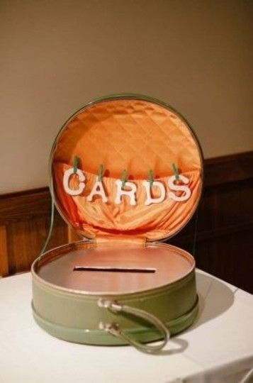 Preload https://item2.tradesy.com/images/green-and-orange-cards-box-vintage-round-suitcase-reception-decoration-132981-0-0.jpg?width=440&height=440