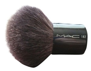 MAC Cosmetics MAC 182 Buffer Face Brush