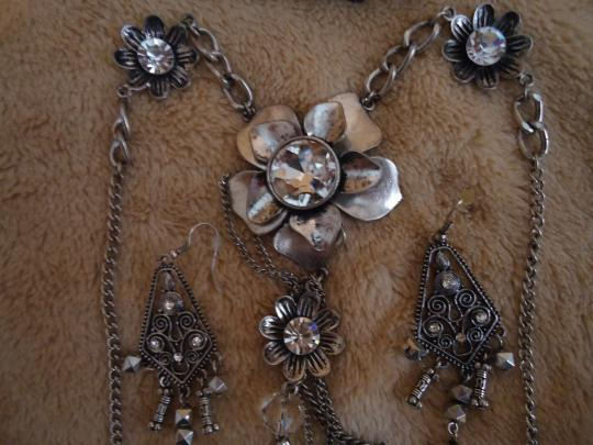unknown Fancy Silver & Crystals Costume Jewelry Set includes Necklace, Pierced Earring & Bracelet