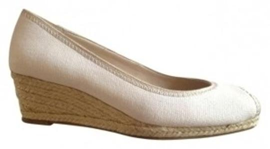 Preload https://img-static.tradesy.com/item/133019/banana-republic-cream-off-white-peep-toe-espadrille-wedges-size-us-6-0-0-540-540.jpg