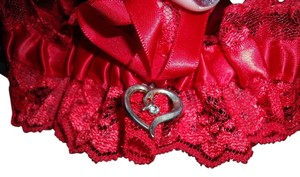 Frederick's of Hollywood Red Lace Satin Leg Garter Silver Metal Heart White Rhinestone