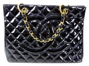 Chanel Matelasse Tote in black
