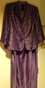 Cachet Lilac 55% Nylon 45% Polyester Ful Length Embellished Formal Bridesmaid/Mob Dress Size 18 (XL, Plus 0x)