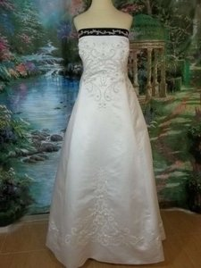 Alfred Angelo White/Black Satin 1612 Formal Wedding Dress Size 22 (Plus 2x)