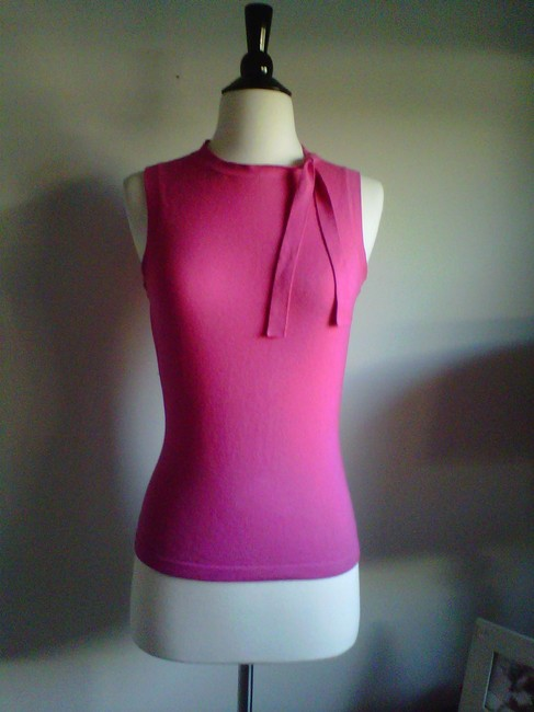 Preload https://item1.tradesy.com/images/banana-republic-hot-pink-cashmere-sweaterpullover-size-4-s-1331020-0-0.jpg?width=400&height=650