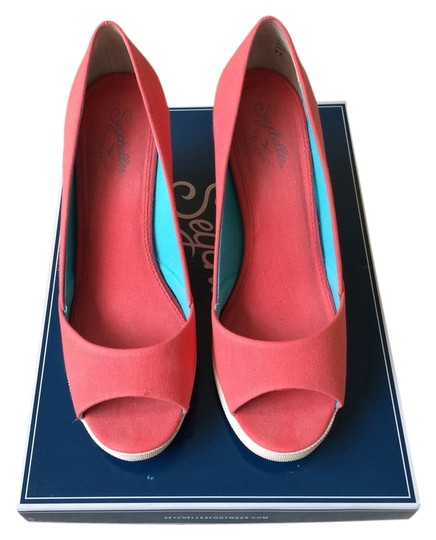 Preload https://img-static.tradesy.com/item/1331552/seychelles-coral-wedges-sandals-size-us-75-regular-m-b-0-0-540-540.jpg