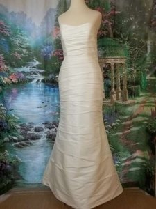 Alfred Angelo Diamond White Taffeta 2034 Formal Wedding Dress Size 8 (M)