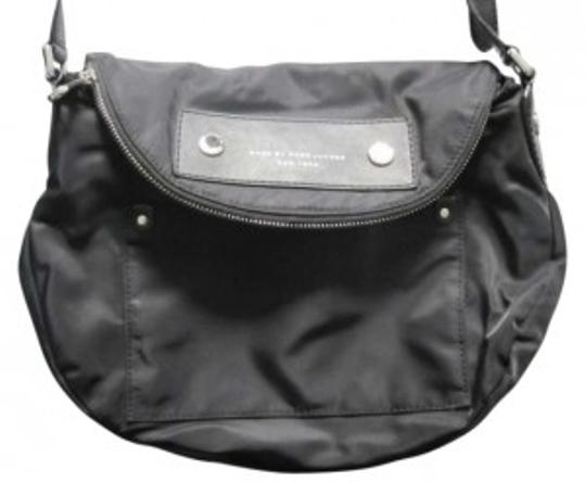Preload https://img-static.tradesy.com/item/133192/marc-by-marc-jacobs-name-preppy-natasha-description-with-strap-black-nylon-and-leather-messenger-bag-0-0-540-540.jpg