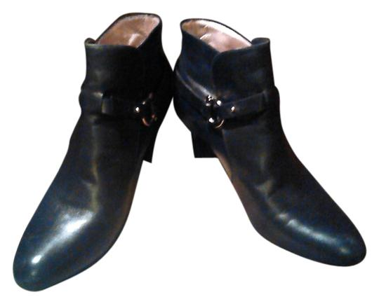 Preload https://item4.tradesy.com/images/salvatore-ferragamo-black-leather-ankle-bootsbooties-size-us-8-wide-c-d-13319323-0-1.jpg?width=440&height=440