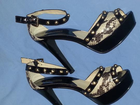 Michael Kors black. white off Sandals