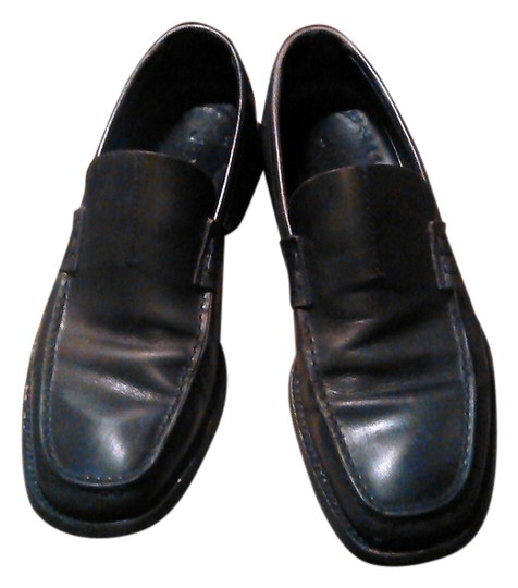 Preload https://img-static.tradesy.com/item/13321888/prada-black-men-leather-loafers-flats-size-us-65-regular-m-b-0-1-540-540.jpg