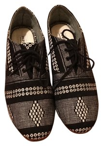 Osborn black/white Flats
