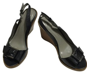 B. Makowsky Black Wedges