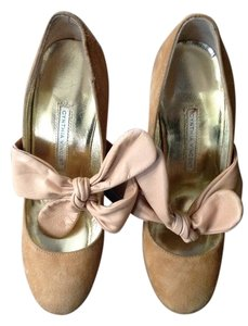 Twelfth St. by Cynthia Vincent Beige-camel Pumps
