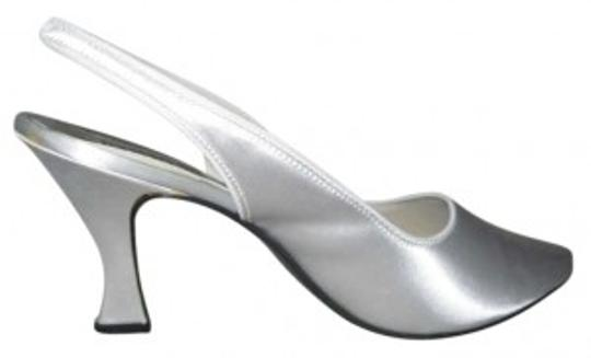 Studio 6 White Pumps