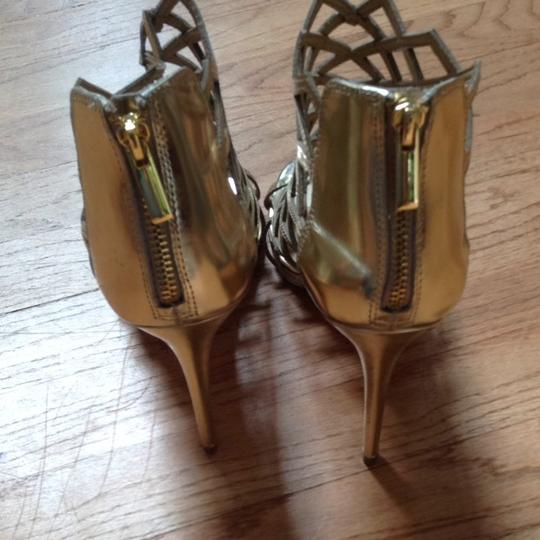 Saks Fifth Avenue Holiday Nye Cage Gladiator Metallic Gold Pumps