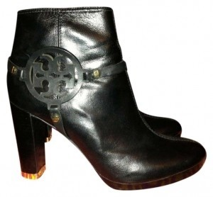 Tory Burch Name: Whitney Style #: 21088634 Glossy Kid Leather Black Boots