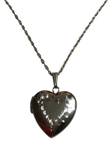 Fortunoff Fine Jewelry Sterling Silver Heart Locket Necklace