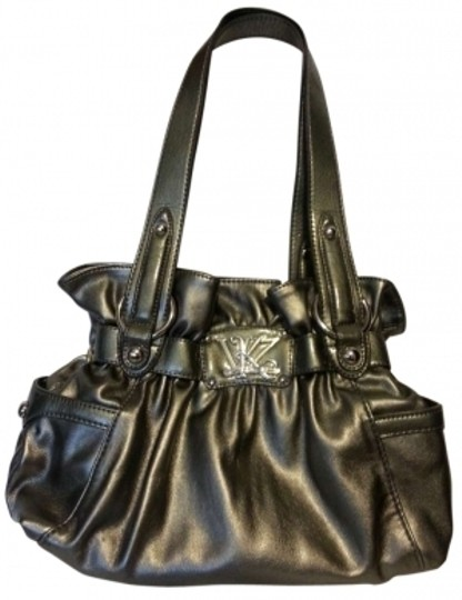 Preload https://img-static.tradesy.com/item/133415/kathy-van-zeeland-silver-vinyl-shoulder-bag-0-0-540-540.jpg