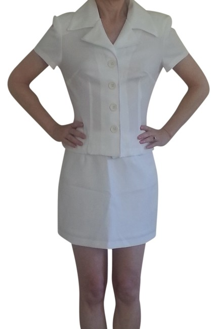 Preload https://item5.tradesy.com/images/charlotte-russe-white-vintage-and-matching-blouse-top-skirt-suit-size-4-s-1334259-0-0.jpg?width=400&height=650