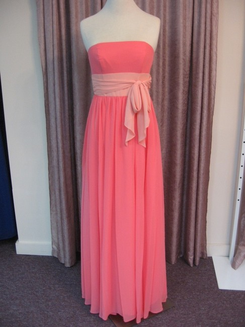 Item - Coral/Salmon Chiffon Set Of 4 Style #7017 Traditional Bridesmaid/Mob Dress Size OS (one size)