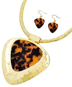 Gold Tone Brown Tortoise Acrylic Pendant Necklace & Earrings