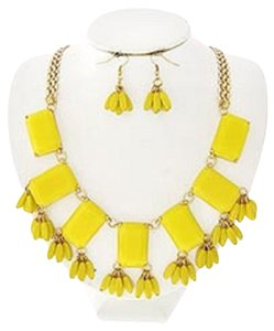 Other Yellow Acrylic Cluster Style Necklace & Earrings