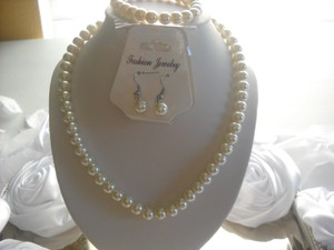 Ivory Flower Girl Pageant Children Or Adult Pearl 3pc Gift Box Dark This Listing Is For 2 Necklace Jewelry Set