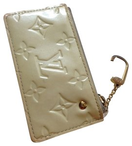 Louis Vuitton Louis Vuitton Cles Keyholder Coin Purse Vernis CREAM