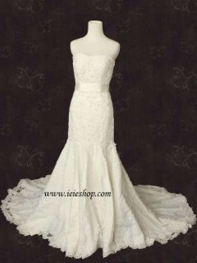 Preload https://item1.tradesy.com/images/martina-liana-36-style-strapless-fit-and-flare-lace-gown-wedding-dress-size-4-s-133715-0-0.jpg?width=440&height=440