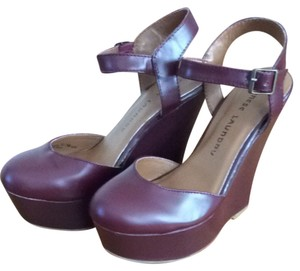 Chinese Laundry Burgundy Wine Wedges