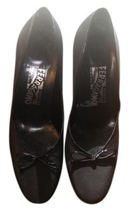 Salvatore Ferragamo Bows Leather Made In Italy Black Pumps