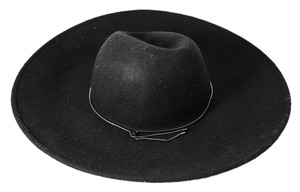 BCBGMAXAZRIA * BCBG BLACK Chained Floppy Hat