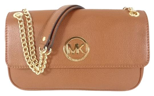 Preload https://item4.tradesy.com/images/michael-kors-35h2gftf1l-women-s-fulton-shoulder-purse-brand-leather-cross-body-bag-13383688-0-1.jpg?width=440&height=440