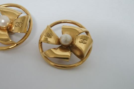 Chanel Chanel Vintage Pearl CC Logo Clip On Earrings Image 5