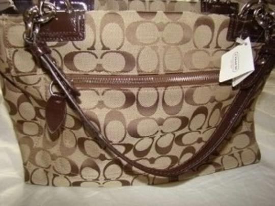 Coach Name: Penolope Signature Carryall Style #: F16540 Shoulder Bag
