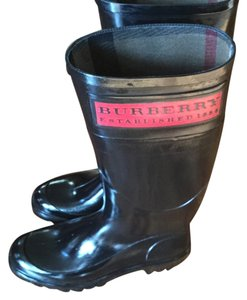 Burberry Black with red name plate Boots