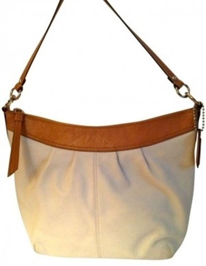 Preload https://item5.tradesy.com/images/coach-white-leather-hobo-bag-133849-0-0.jpg?width=440&height=440