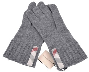 Burberry NEW BURBERRY MEN'S $165 100% CASHMERE LIGHT GREY NOVA CHECK MITTENS GLOVES