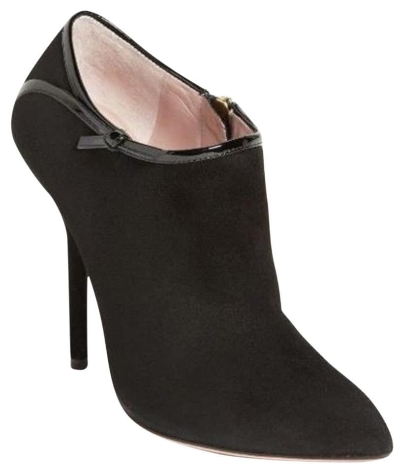 61f08fa765 Gucci Black Beverly Suede Pointy Toe Bow Trim Accent Ankle Boots ...