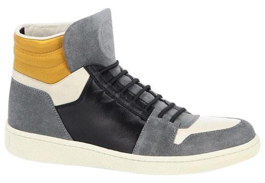 Preload https://item1.tradesy.com/images/gucci-gray-suede-leather-multi-gg-logo-high-top-lace-up-sneakers-size-eu-365-approx-us-65-regular-m--13387360-0-1.jpg?width=440&height=440