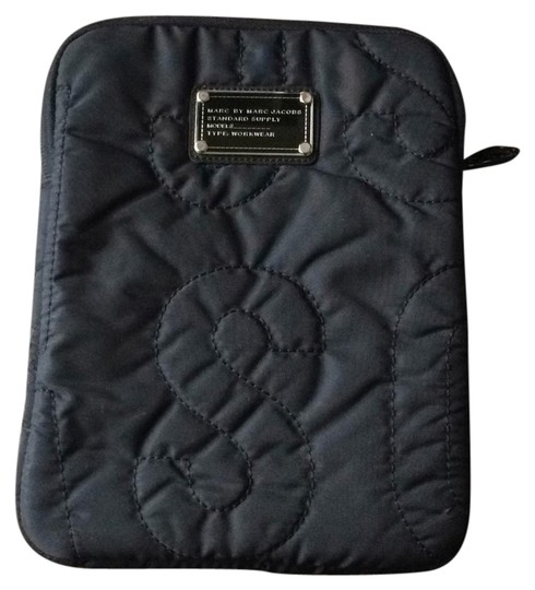 Preload https://item5.tradesy.com/images/marc-by-marc-jacobs-black-13388494-0-1.jpg?width=440&height=440