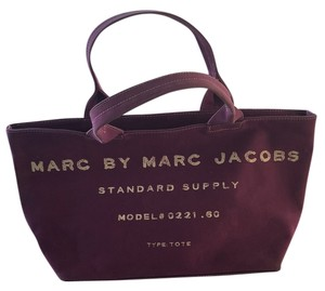 Marc by Marc Jacobs Tote in Fuschia