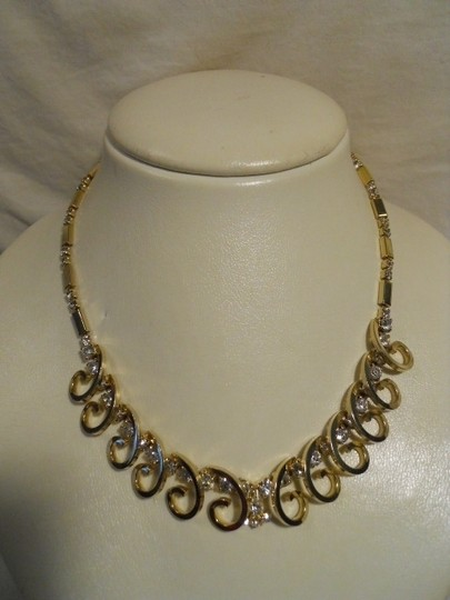 Preload https://img-static.tradesy.com/item/133892/sarah-coventry-gold-reserved-for-amy-vintage-rhinestone-necklace-0-0-540-540.jpg