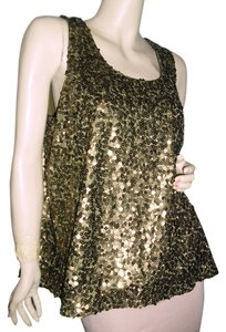 Vince Camuto Top antique gold