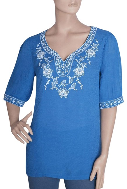 Preload https://img-static.tradesy.com/item/133897/blue-embroidered-tunic-with-floral-and-stars-design-blouse-size-28-plus-3x-0-2-650-650.jpg